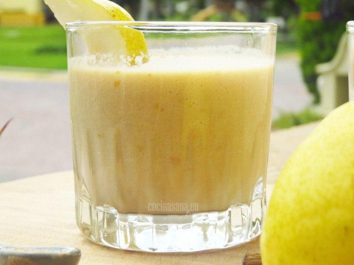 Bebida refrescante con pera combinada con Chai