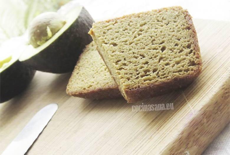 Rebanadas de pan elaborado con pulpa de aguacate como sustituto de mantequilla