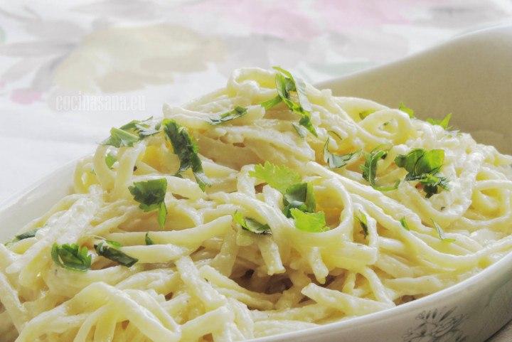 Pasta con Perejil y crema deliciosa receta italiana