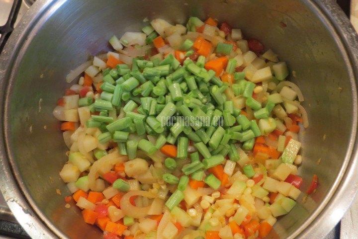 Añadir el ejote a la sopa