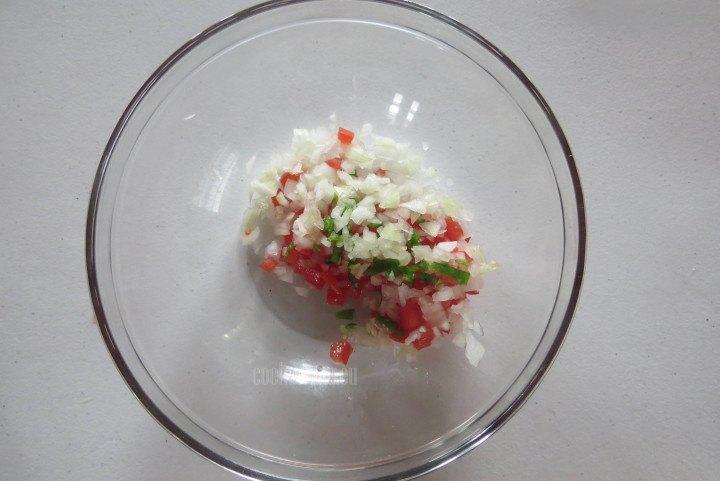 Colocar en un Recipiente las verduras picadas