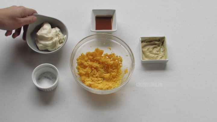Combinar los Ingredientes con las yemas