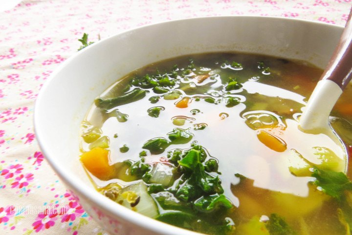 Sopa con Kale