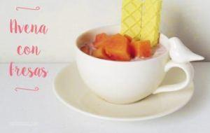 Avena Reposada con yogur y fresas. Postre o desayuno fácil y muy sano