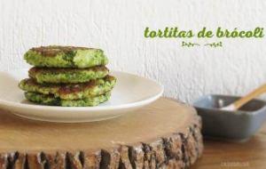 Tortitas de Brócoli con Queso. Tortitas saladas fáciles y deliciosas