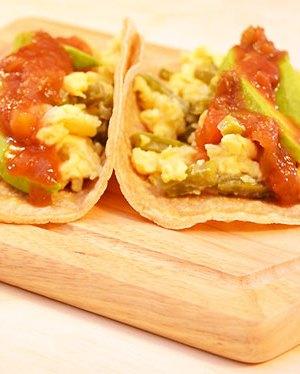 tacos-de-nopales-con-huevo