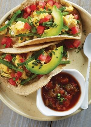 tacos de nopales con huevo