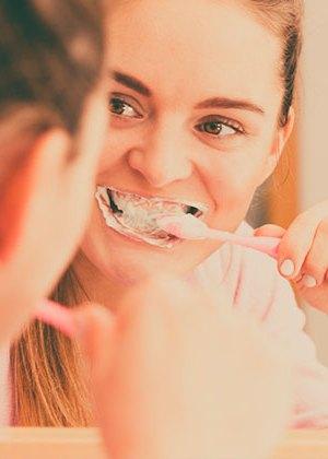 Elimina el sarro de los dientes naturalmente con estos 5 remedios caseros