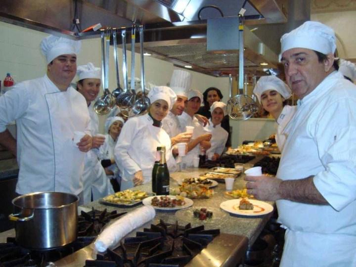grupo-en-la-cocina