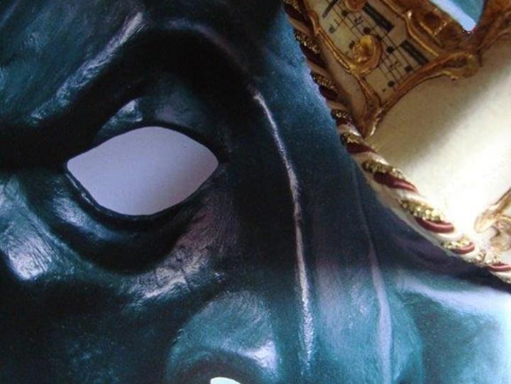 mascara-11