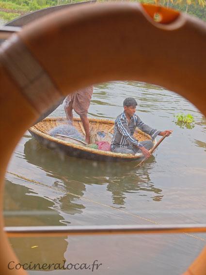 bouée dans backwaters ©cocineraloca.fr