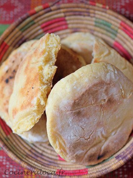 pain à la semoule - matlouh ©cocineraloca.fr