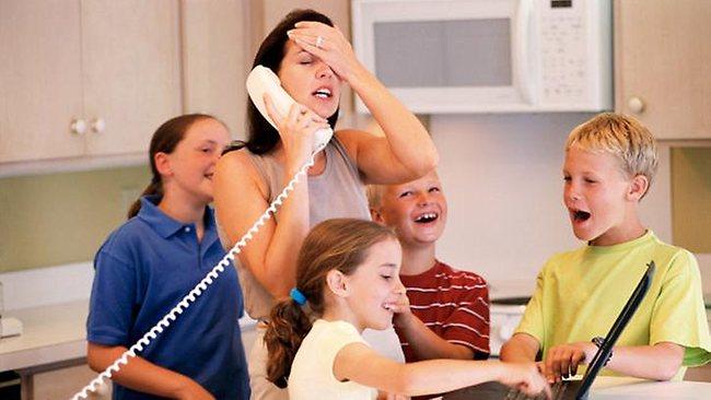 378700-stressed-mum