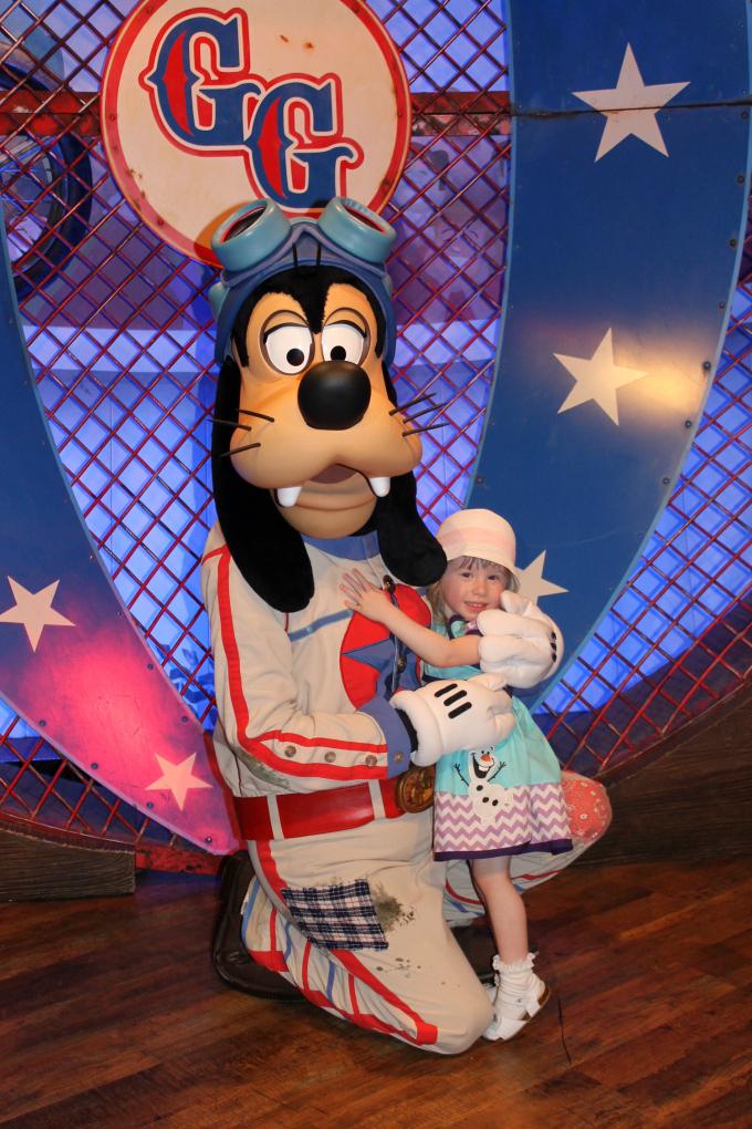Cocktails in Teacups Walt Disney World Day 3 Meeting Goofy