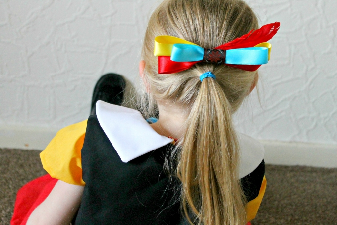 Pinocchio Girl with Bow blog