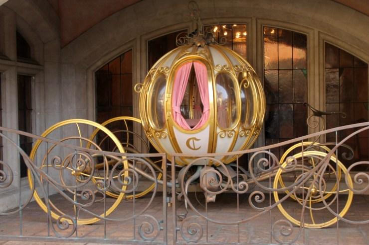 Cocktails in Teacups Disney Life Parenting Travel Blog Auberge de Cendrillon Lunch Review Disneyland Paris Cinderella Coach