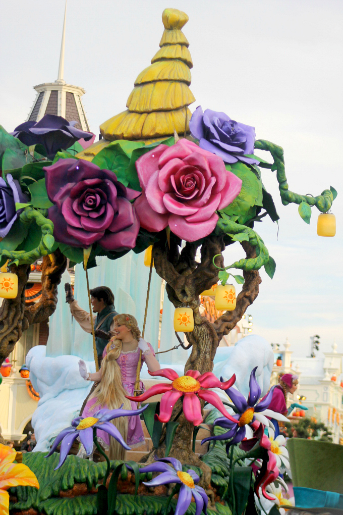 Cocktails in Teacups Disney Life Parenting Travel Blog Disneyland Paris Disney Magic on Parade Rapunzel and Flynn
