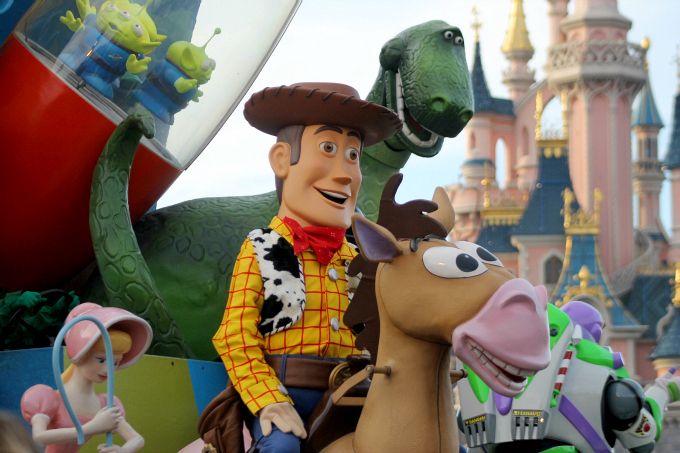 Cocktails in Teacups Disney Life Parenting Travel Blog Disneyland Paris Disney Magic on Parade Woody