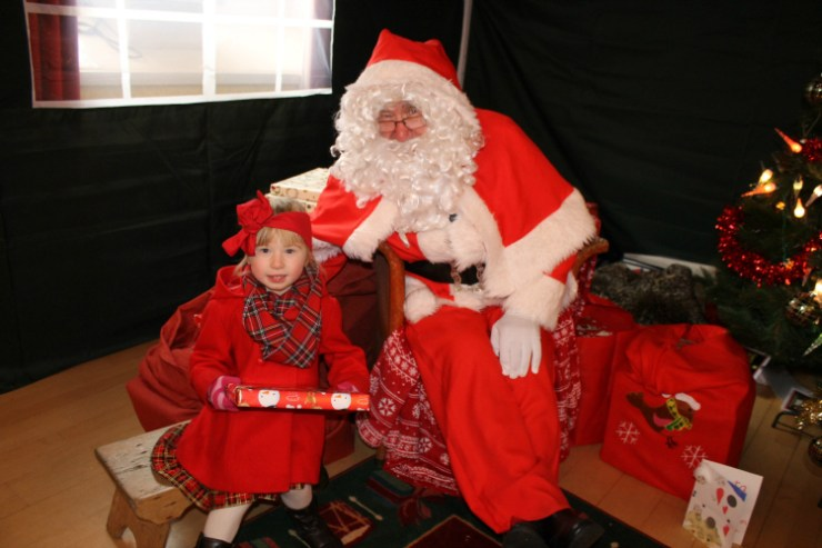 cocktails-in-teacups-disney-life-travel-parenting-blog-5-festive-things-to-do-with-your-child-in-the-north-east-meeting-santa