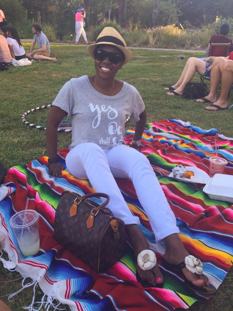 Davis Grey Tee White Jeans Fashion Blogger 2015