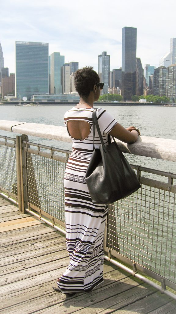 black and white stripes maxi dress tote bag sandals summer fashion rear view