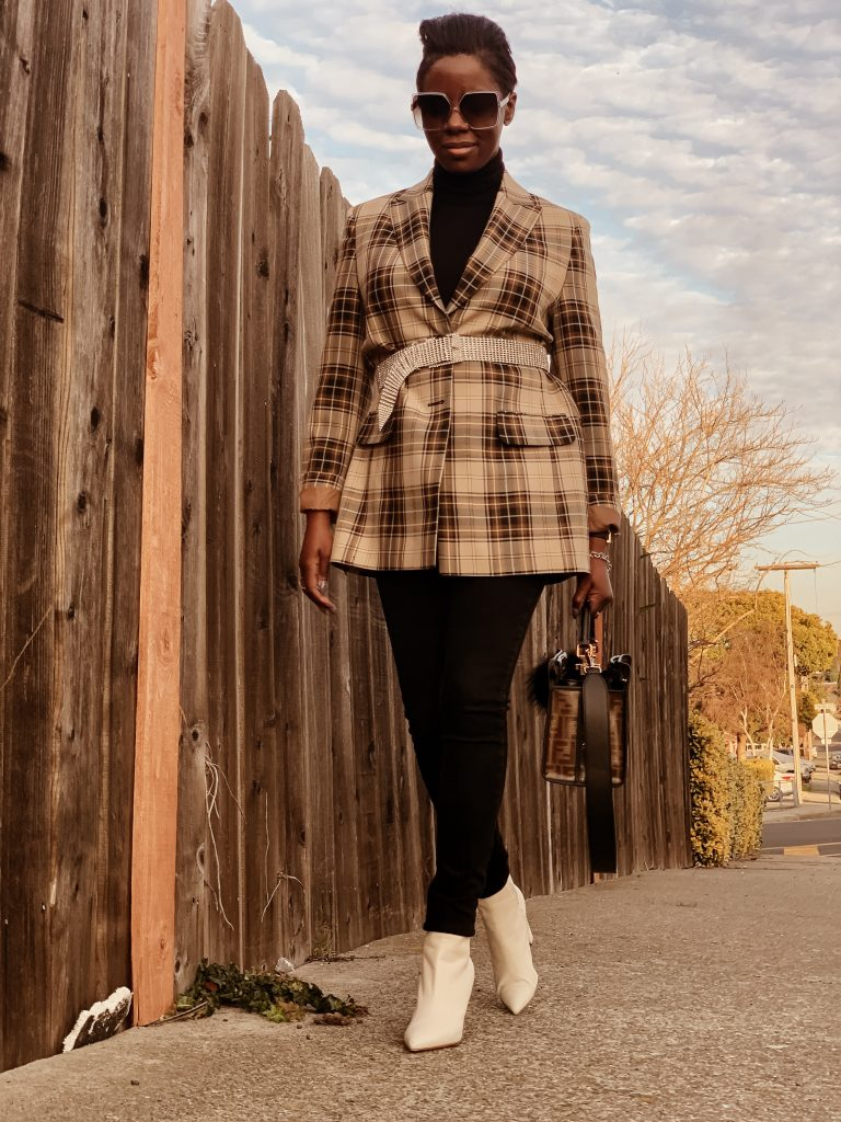the cocoa butter diaries top San Francisco sf Bay Area fashion blogger boyfriend blazer rhinestone belt black turtleneck black high waisted jeans white ankle boots Fendi peekaboo mini