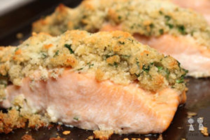 Parmesan Crusted Salmon, crusted salmon, salmon dinner, easy salmon recipe, easy salmon dinner, salmon, parmesan salmon