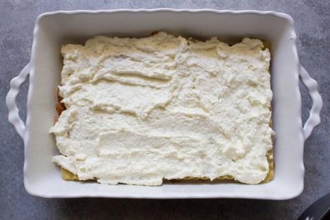 Lasagna, easy lasagna recipe, no boil, ricotta, beef, ricotta cheese, cheesy, cheese