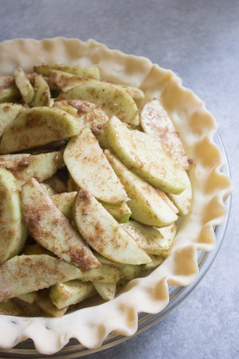 crunchy caramel apple pie, apple pie recipe, caramel apple pie. caramel apple. dessert. pie, pie recipe, apple pie recipe, fall dessert
