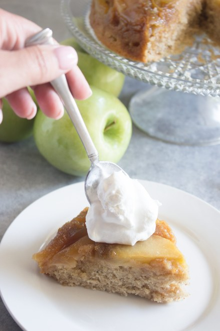 apple upside down cake, apple upside down cake recipe, apple cake, granny smith apples, apple dessert, cinnamon apple cake, caramel apple upside down cake, coco and ash, easy apple cake