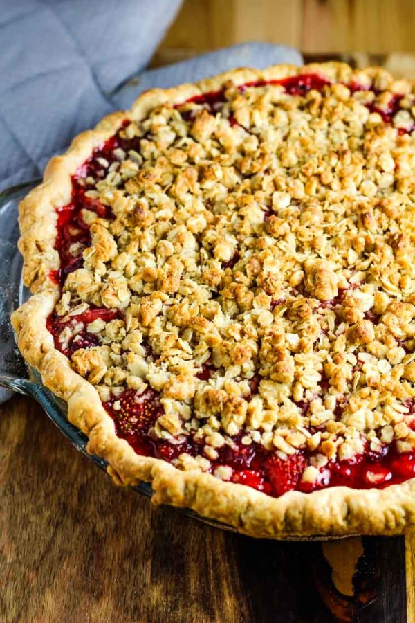 Strawberry Pie, strawberry crumble, pie, easy strawberry pie, dessert, coco and ash, Strawberry Pie with Crumb Topping