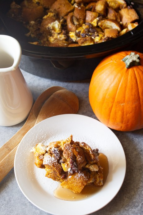 pumpkin spice french toast, slow cooker french toast, slow cooker pumpkin spice french toast, breakfast, brunch, fall