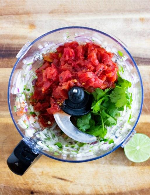 easy Restaurant style salsa, Restaurant style salsa, easy salsa, fire roasted tomatoes