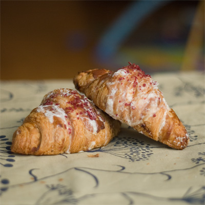 Coco&Me - Pierre Hermé Ispahan Croissant - www.cocoandme.com