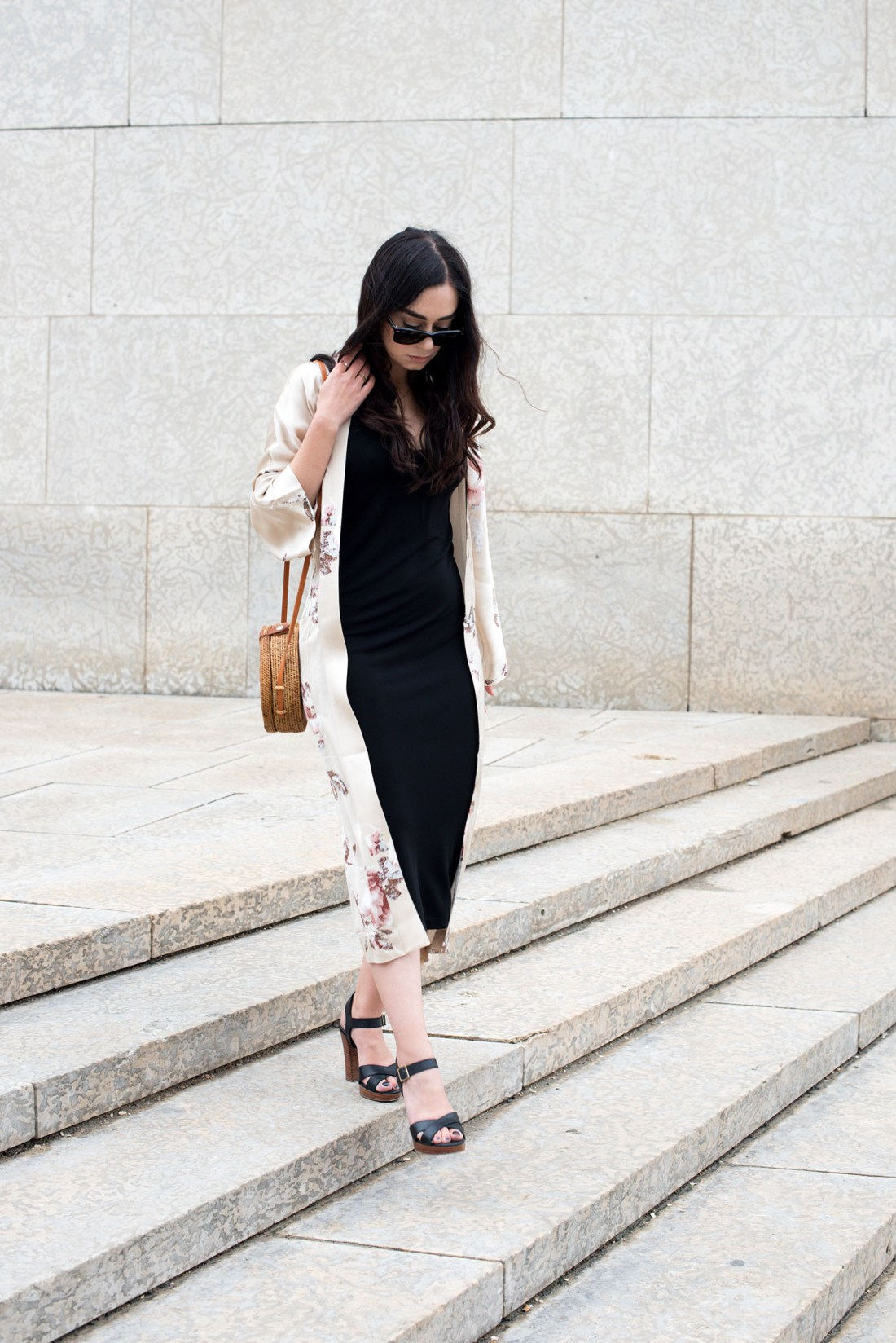 Top Winnipeg fashion blogger Cee Fardoe of Coco & Vera wears a Wilfred silk kimono and carries a round rattan bag from Etsy