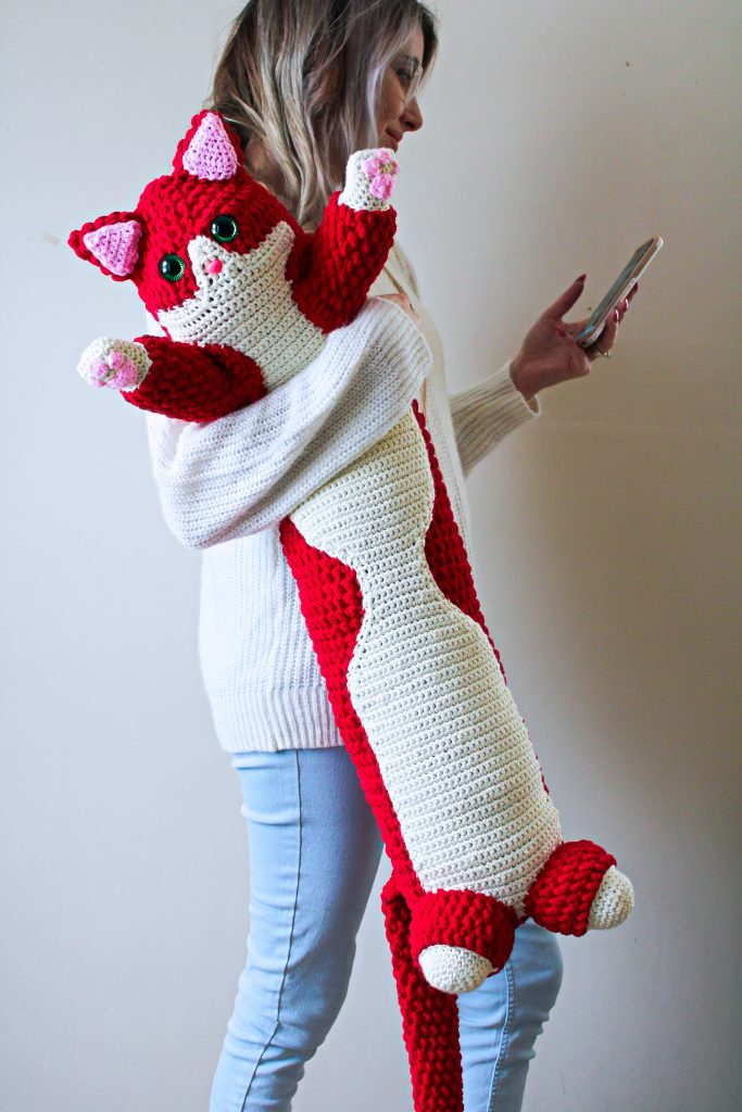 Valentine Kitty crochet pattern by CoCo Crochet Lee