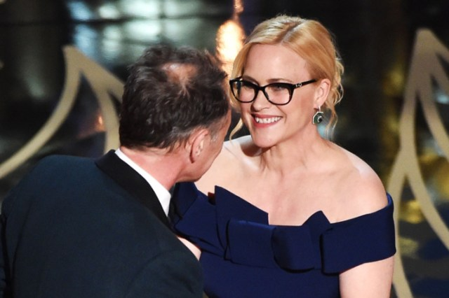 Patricia Arquette at Oscars 2016 wearing glasses