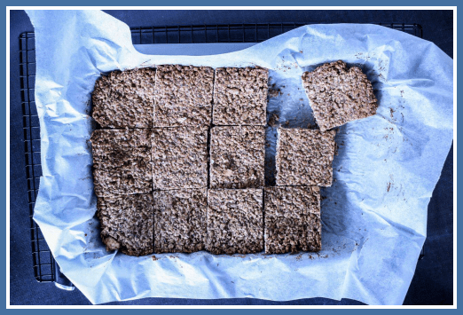 Muesli Bars with Coconut Oil by Julia and Libby