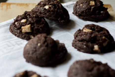 triple-chocolate-fudge-cookies-2