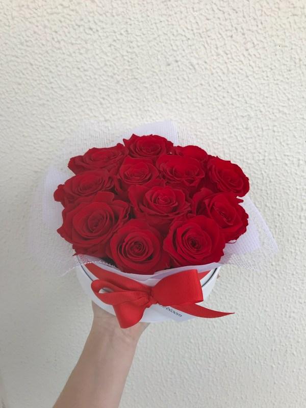 12 red preserved rose hatbox