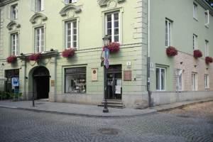 vilnius-frank-house-lithuania didzioji street