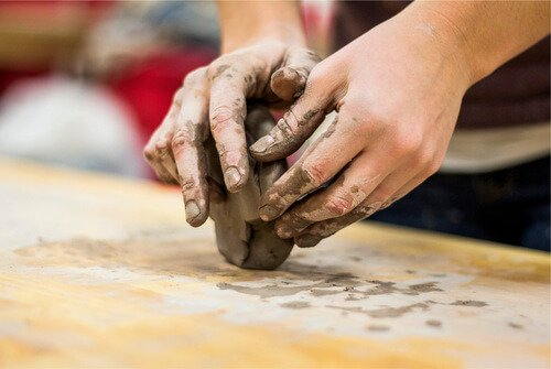Moulding Changing Clay
