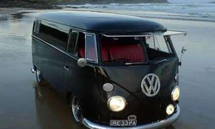 Le combi VW, objet culte du surf et de la culture «custom»