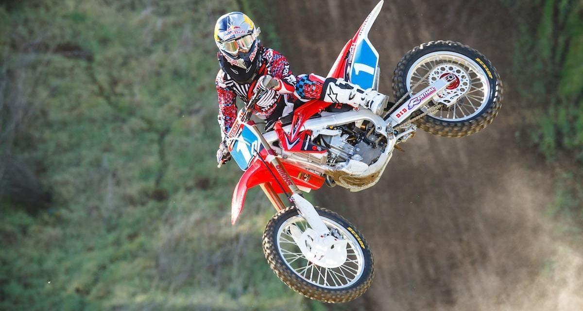 Comment Red Bull ose le décalage avec le motocross et Ashely Fiolek