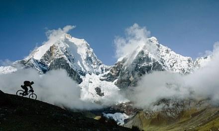 La haute montagne en VTT. Dans le National Geographic