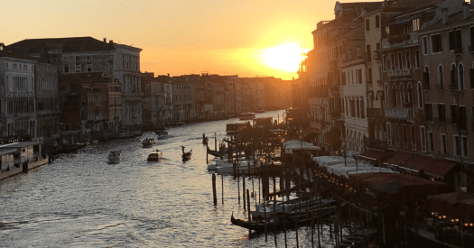 Venise sunset by Jean-Dominique Nguele for this SQL views post