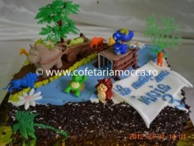 Tort pentru copii oradea  cal, elefant, hipopotan, figurine jungla(80)