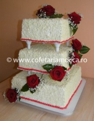 tort de nunta cu fulgi de ciocolata
