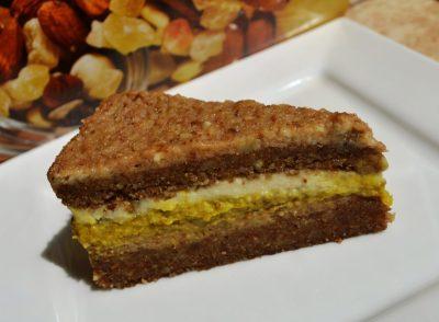 Tort raw cu nuca, turmeric, lamaie