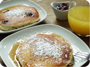 Brunch con bellini en Gracia–Avenue Bar-Pancakes